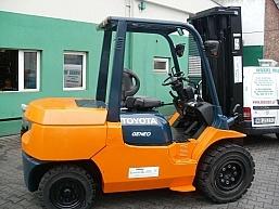 Lemarpol - wózek Toyota 02-7FG40