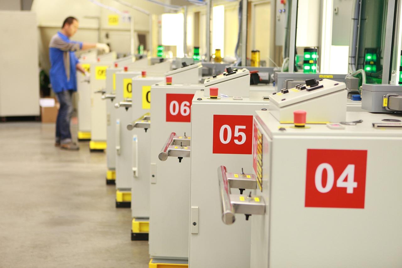 Polskie fabryki muszą produkować więcej i szybciej