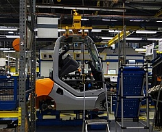W fabryce wózków widłowych STILL w Hamburgu