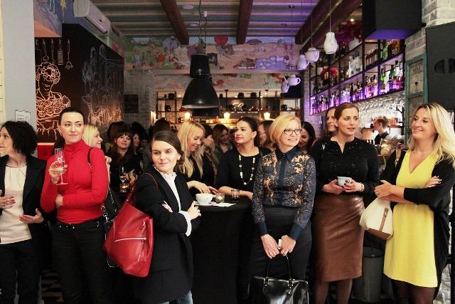 """""""Ladies First"""" dla kobiet w logistyce i przemyśle"""
