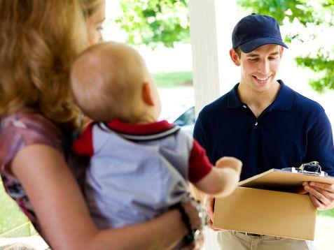 Dostawa kurierem zachęca do e-zakupów