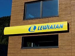 Galposter z kontraktem dla sieci handlowej Lewiatan