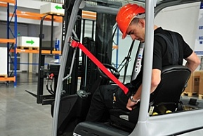 Bezpieczna praca na wózku widłowym