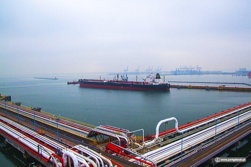 Kolejna dostawa ropy irańskiej dla polskiej rafinerii