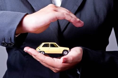 Polacy ubezpieczają pojazdy  - badania