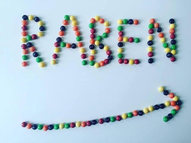 Cukierki Skittles dojrzewają w saunie Grupy Raben