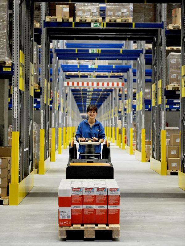 Logistyka taśm i rozwiązań samoprzylepnych