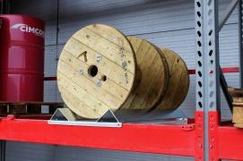 Stelaż do przechowywania szpul i bębnów kablowych na regałach paletowych