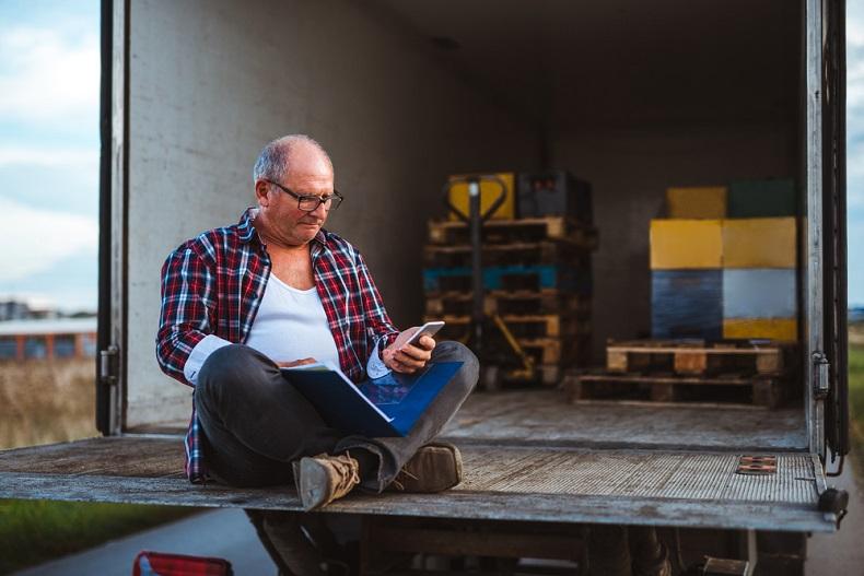 Wiadomość tekstowa w transporcie i spedycji