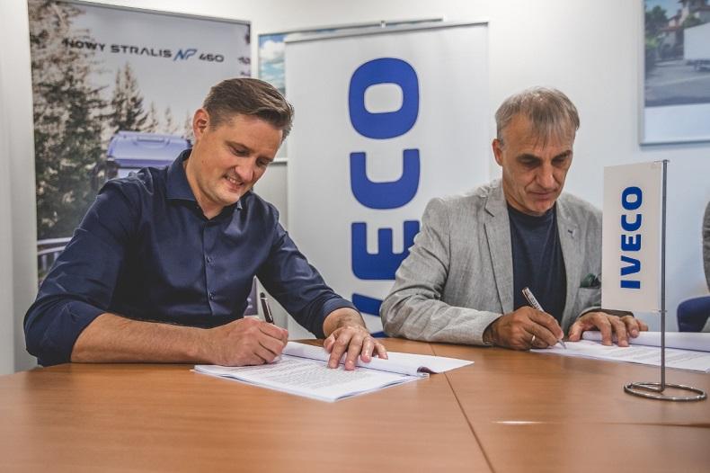 Umowa na dostawę nowoczesnych 20 ciągników siodłowych
