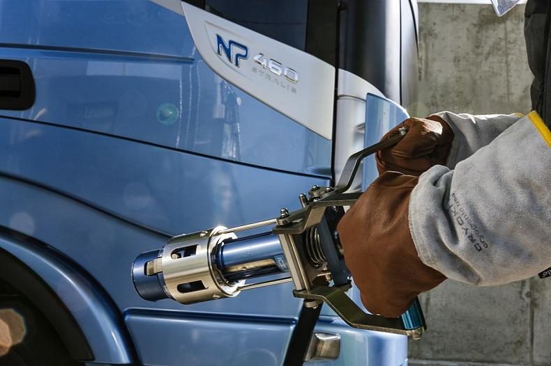 IVECO & Don Trucking_ciągnik siodłowy zasilany gazem ziemnym