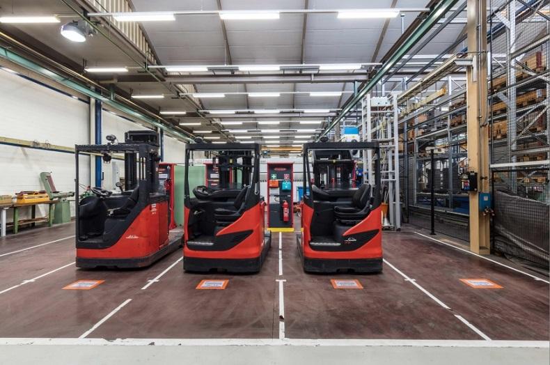 Nowa centralna stacja ładowania akumulatorów do floty wózków