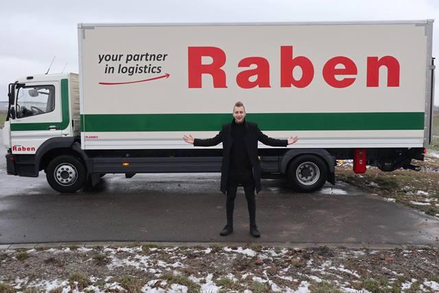 Raben i połączenia do Włoch za pomocą… magii
