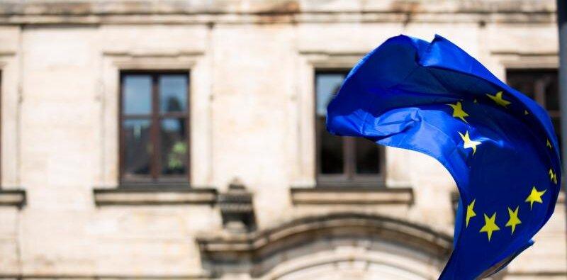 O dyrektywie Unii Europejskiej w sprawie zwalczania zatorów płatniczych