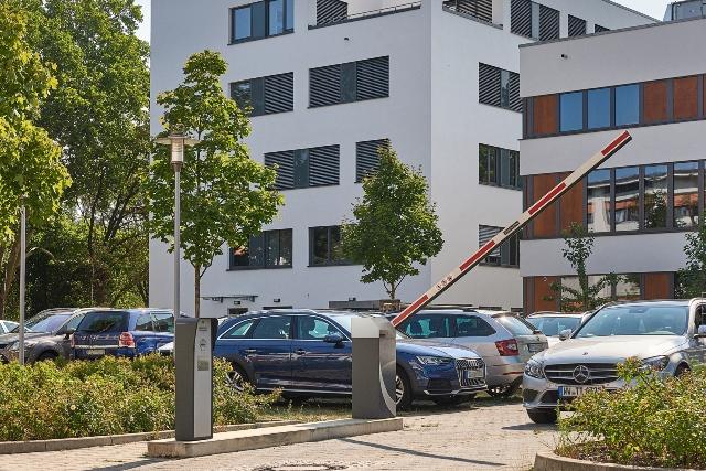 Systemy kontroli dostępu do płatnych parkingów