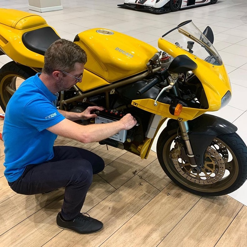 Ducati 748 Racing