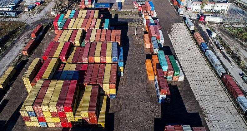 Rekordowo w transporcie kontenerów