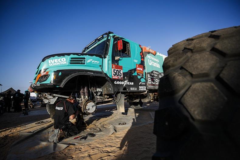 PETRONAS Team De Rooy IVECO na 8. etapie rajdu Dakar 2020