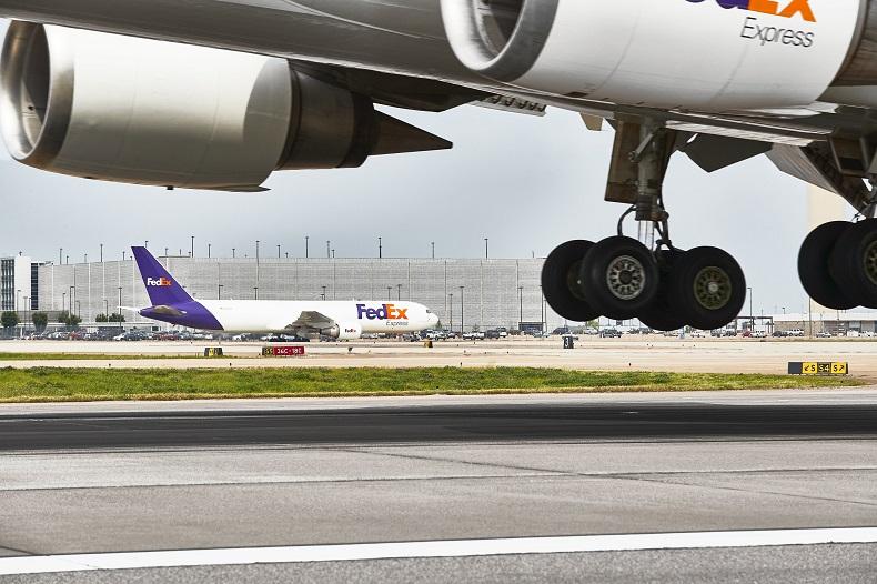 FedEx inwestuje we Francji