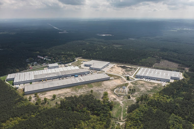 W parkach przemysłowych jest szybszy wzrost wynagrodzeń