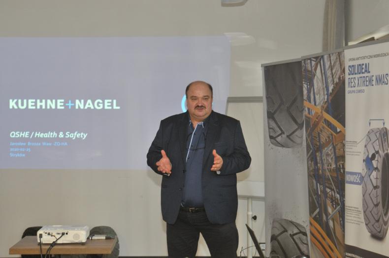 Jarosław Brzoza, national health & safety specialist w magazynie Kuehne + Nagel w Święcicach
