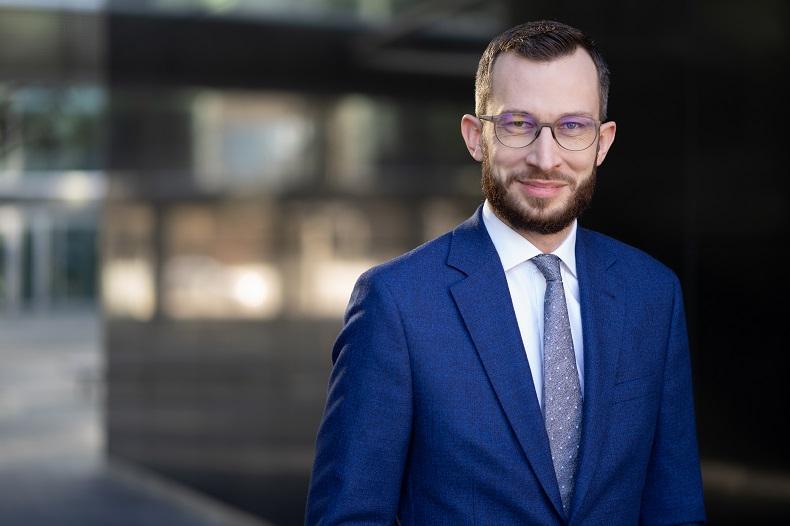 Damian Kołata, Associate, Dział Powierzchni Przemysłowych i Logistycznych