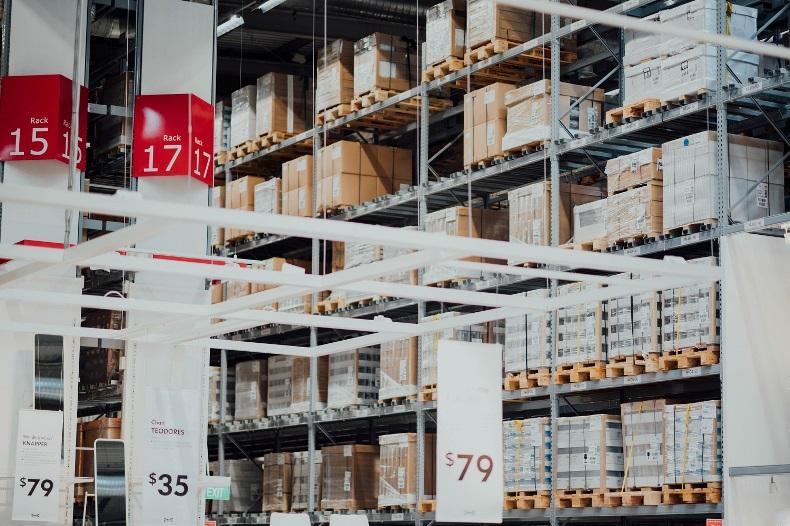 RFID w centrach logistycznych – szybciej, dokładniej, taniej