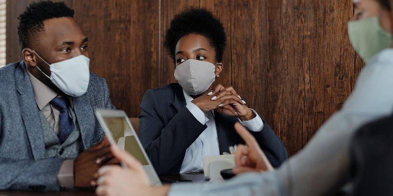 Co trzeci pracownik bez informacji o wpływie pandemii na kondycję jego pracodawcy