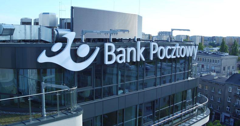 Bank Pocztowy wprowadza BLIKA