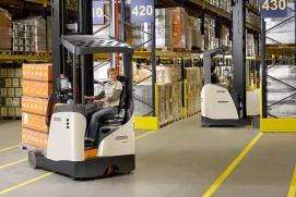 Wózek reach truck Crown serii ESR1000