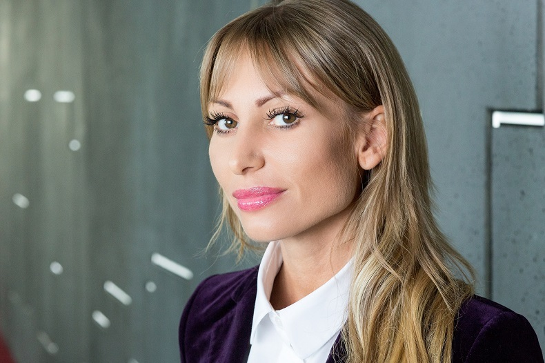 Anna Głowacz, Dyrektor Działu Powierzchni Przemysłowych i Logistycznych, AXI IMMO