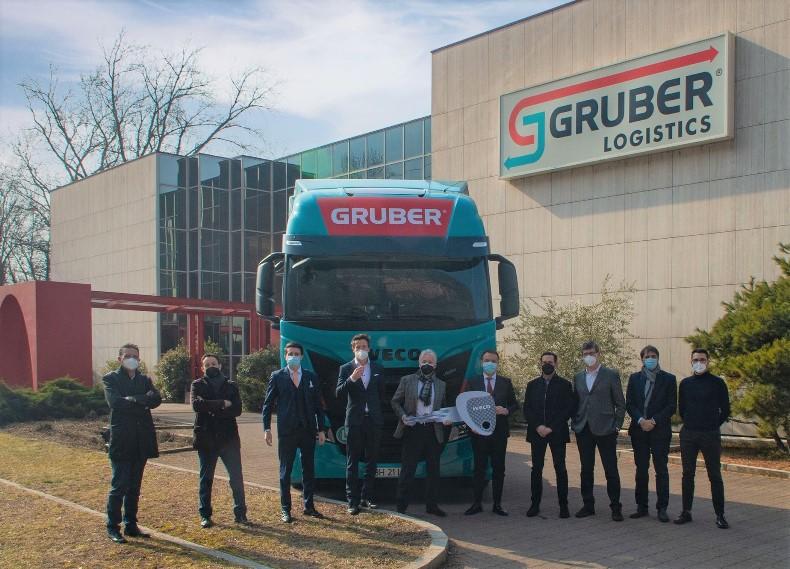 100 ciężarówek dla włoskiej firmy Gruber Logistics od IVECO