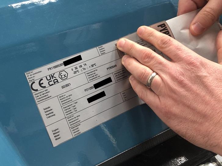 Przeróbki wózków widłowych ze znakami  UKCA i CE