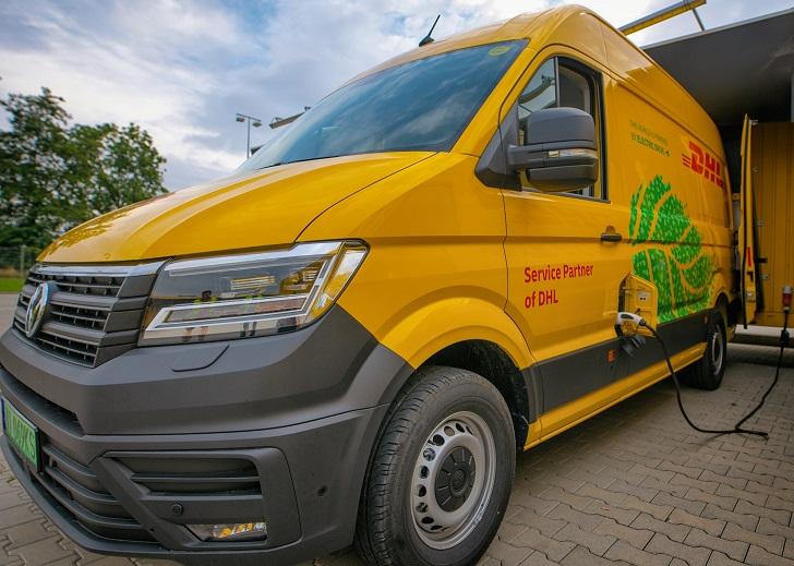 Żółte elektryczne vany wyruszają na polskie drogi