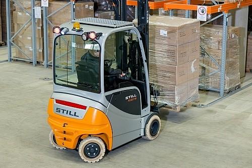 Modish Elektryczny wózek widłowy Still RX 20-15 TO85