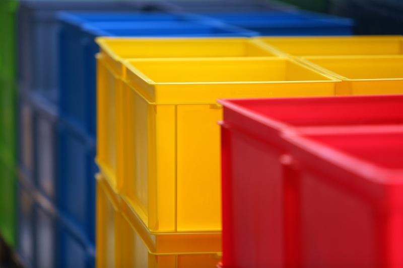 Pojemniki RAKO w różnych kolorach