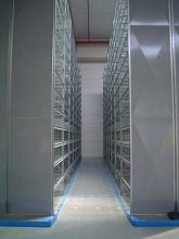 Regały Hi280 - wąski korytarz DEXION