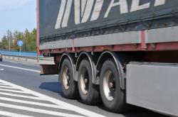 Urzędnicza niewydolność nie sprzyja kierowcom ze Wschodu