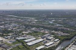 Nowe grunty i kolejny park City Logistics