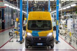 Powiększona flota DHL Express o 100 elektrycznych samochodów