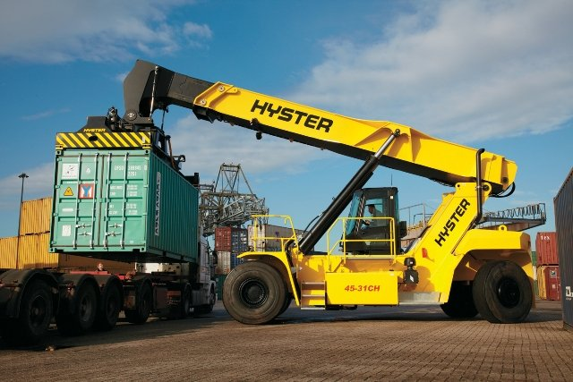 New_Hyster_ReachStacker_can_deliver_fuel_savings_of_up_to_15pc_b.jpg